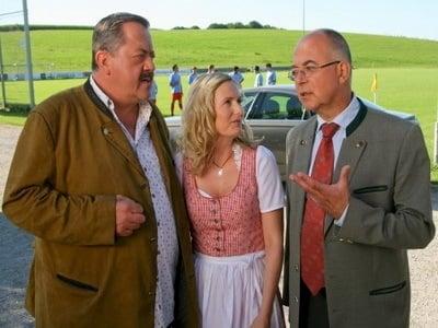 Die Rosenheim-Cops Season 13 :Episode 7  Abpfiff