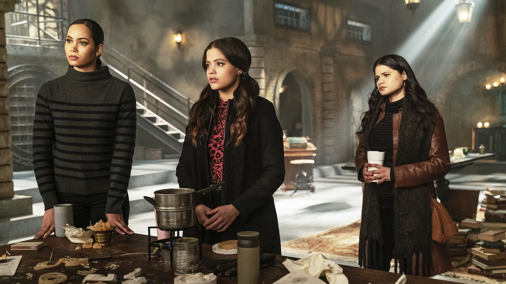 Charmed Season 2 :Episode 15  Third Time's The Charm