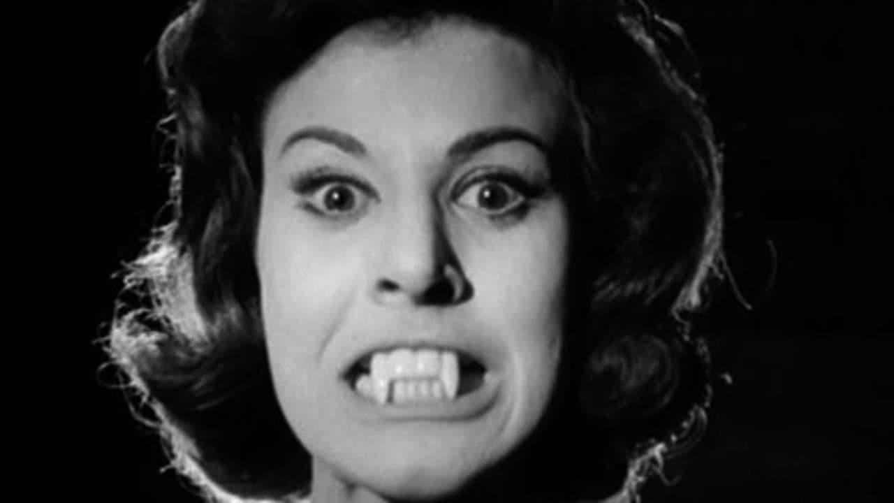 The Playgirls and the Vampire (1960)