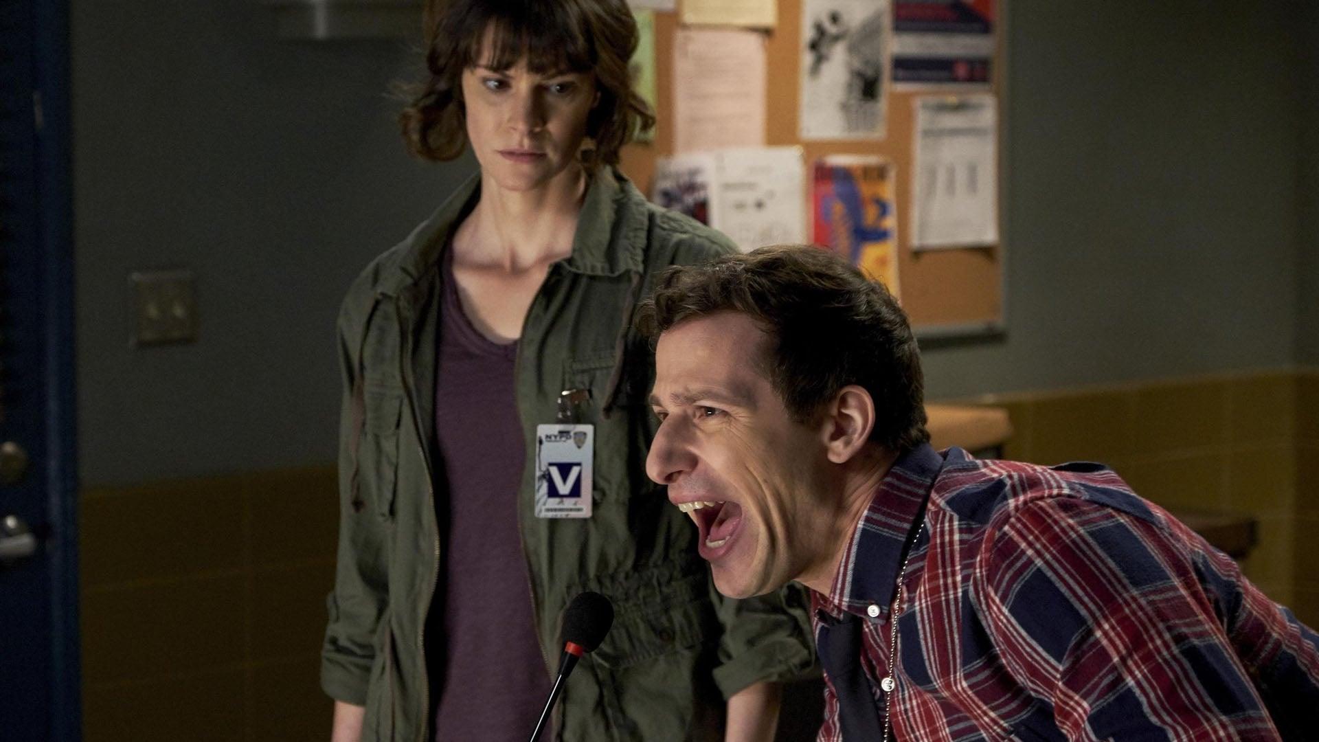 Brooklyn Nine-Nine - Season 5 Episode 17 : DFW