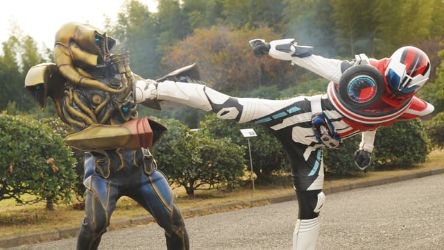 Kamen Rider Season 25 :Episode 17  Who Can Control Dead Heat?