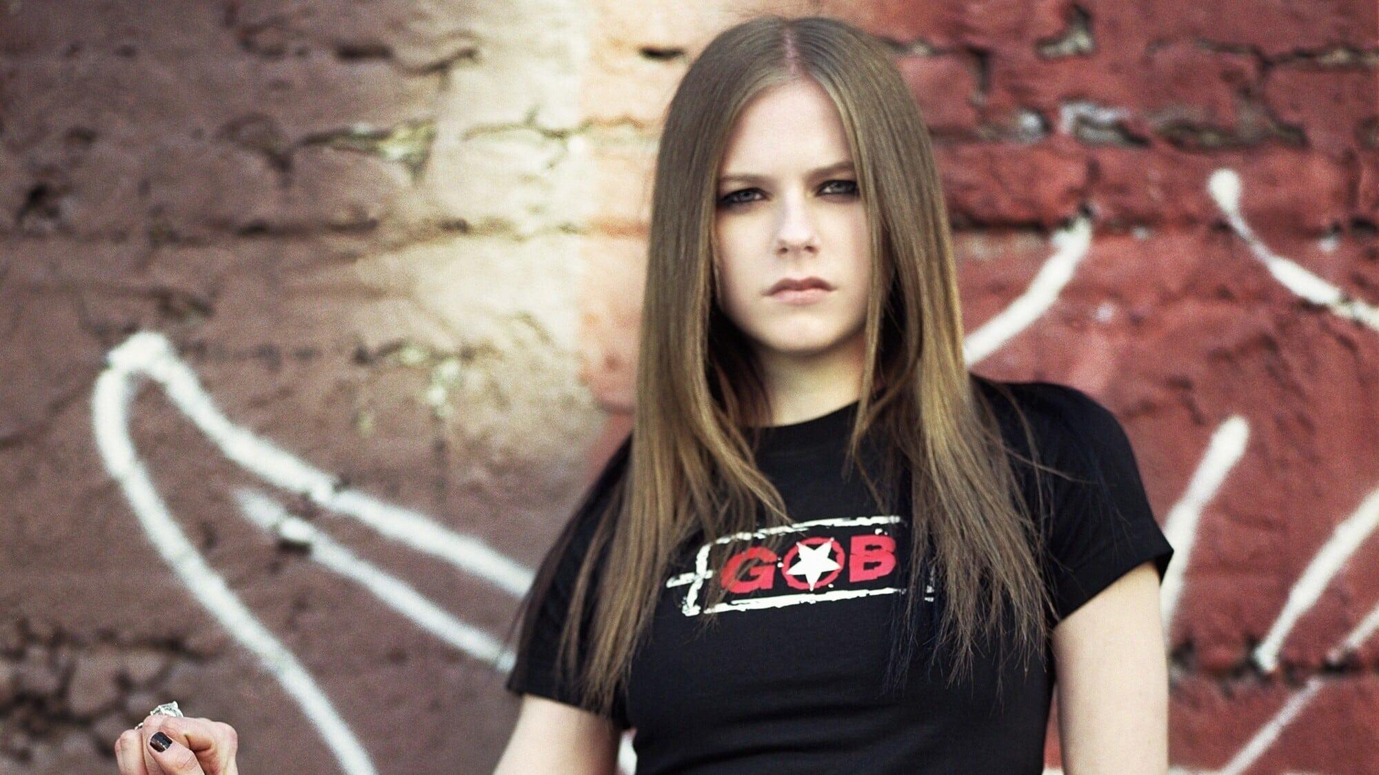 Avril Lavigne: My World (2003)