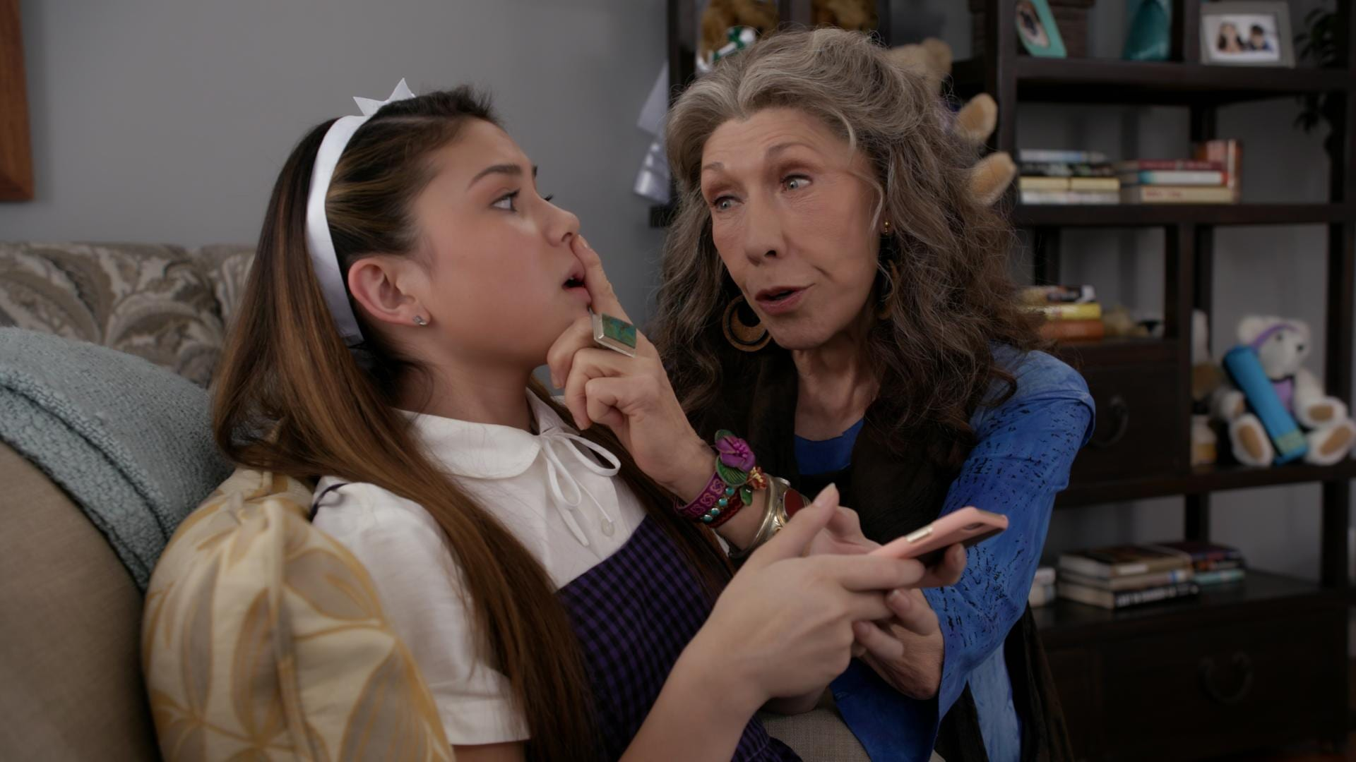 grace and frankie season 4 episode 5 s04e05 openload watch free episodes online. Black Bedroom Furniture Sets. Home Design Ideas