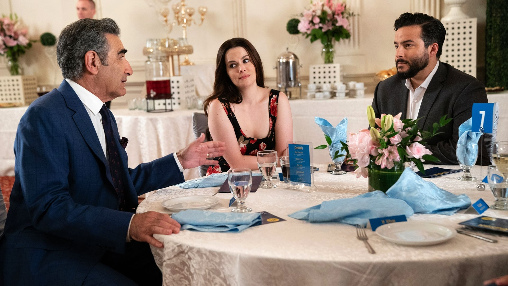 Schitt's Creek - Season 5 Episode 8 : The Hospies