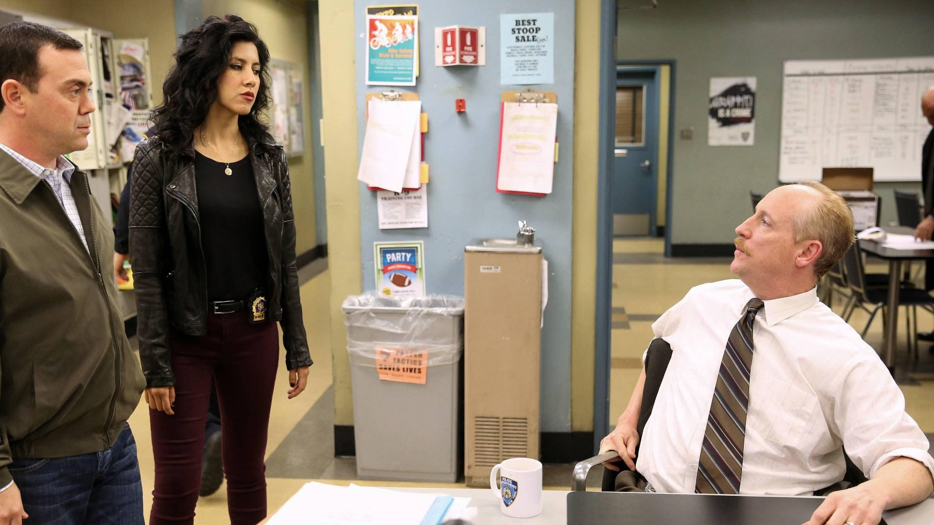 Brooklyn Nine-Nine Season 1 :Episode 18  The Apartment