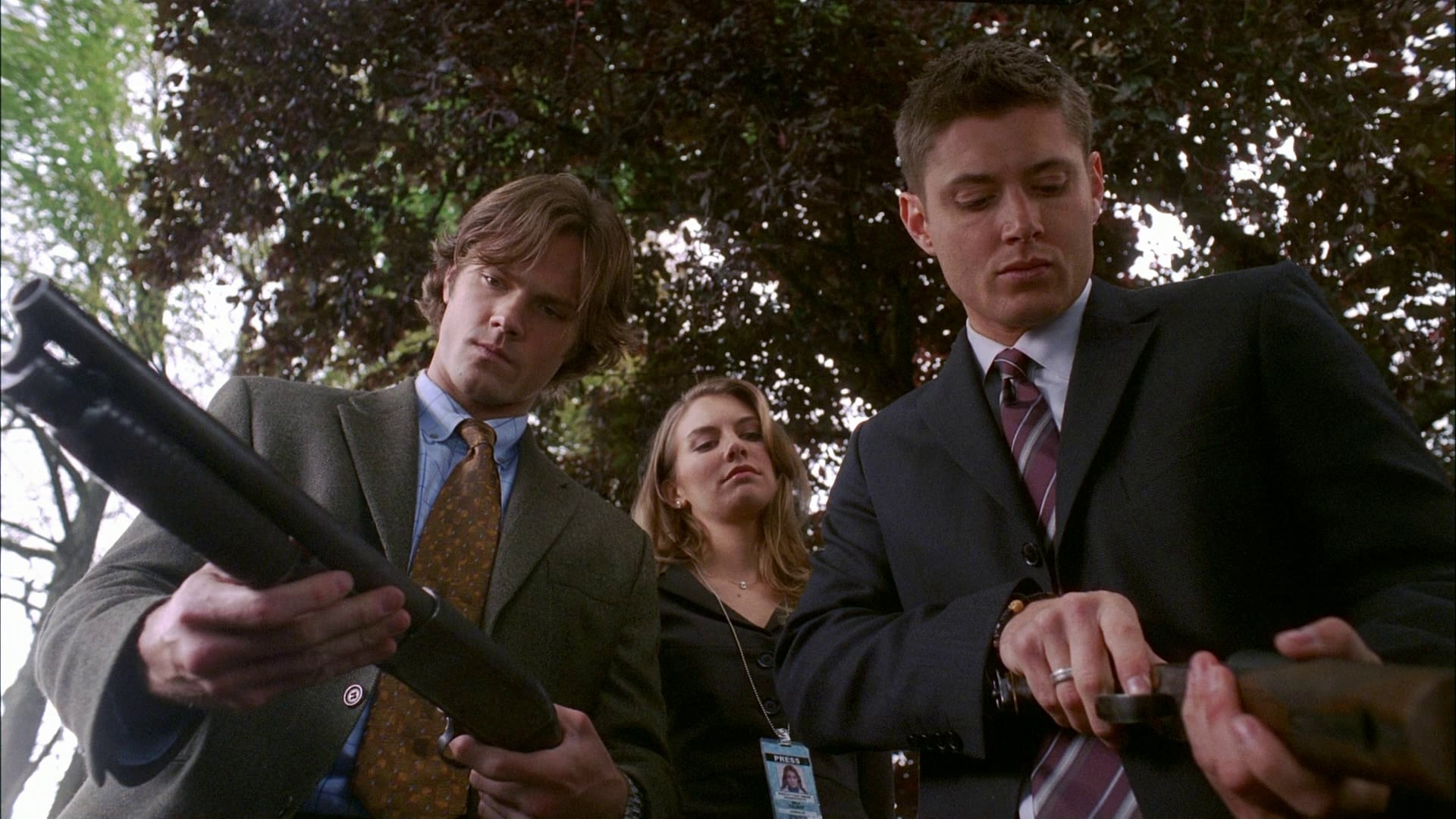 Supernatural Season 3 :Episode 6  Red Sky at Morning