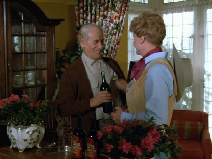 Murder, She Wrote Season 4 :Episode 17  A Very Good Year for Murder