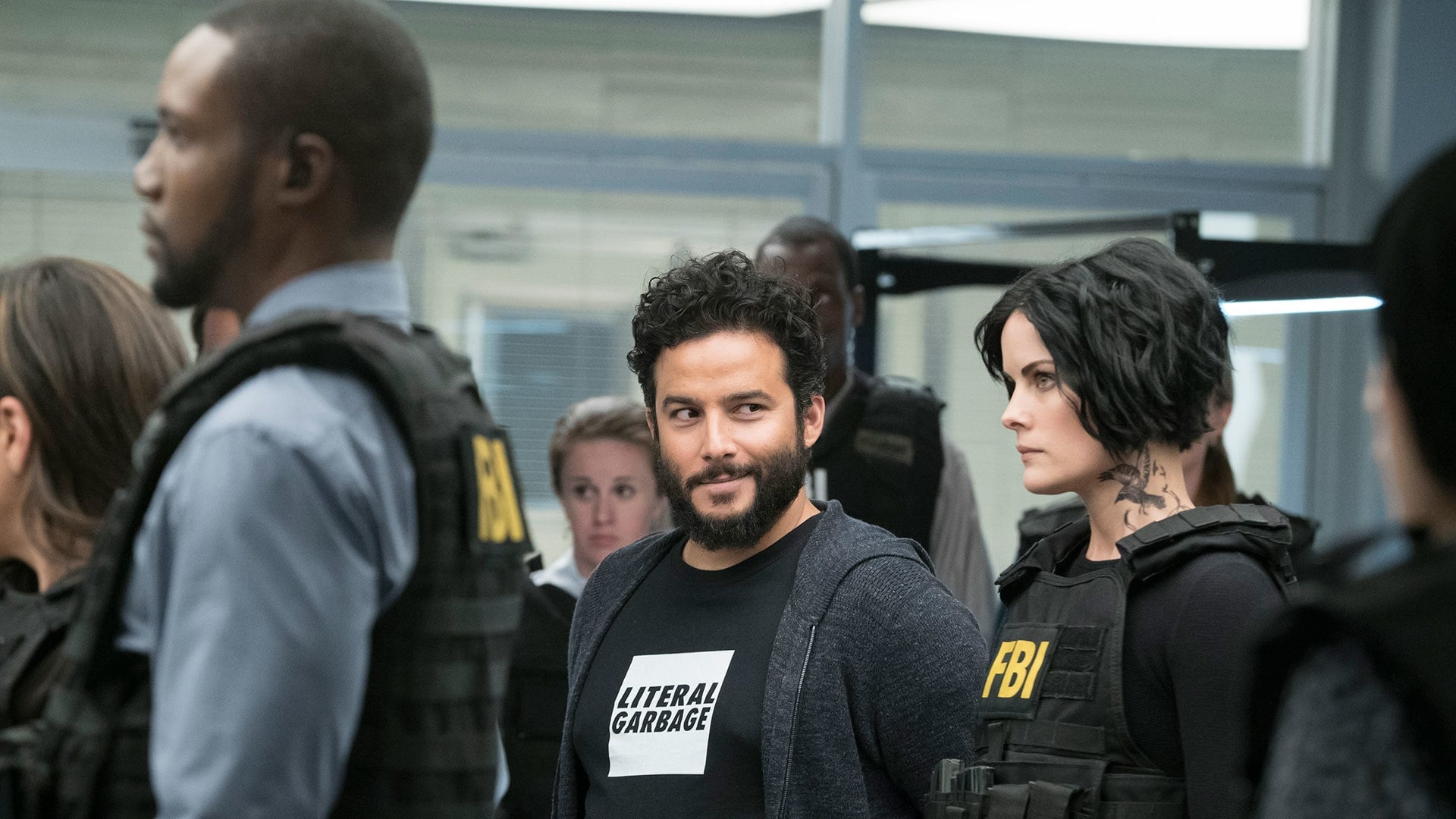 blindspot return date 2016 @sadiew9 according to geektown the series doesn't yet have a return date (silver)box, 2 mini boxes since june 2016, sky q blindspot season 3 episode 9.
