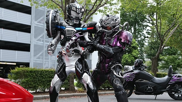 Kamen Rider Season 25 :Episode 6  What Does the Warrior Fight For?