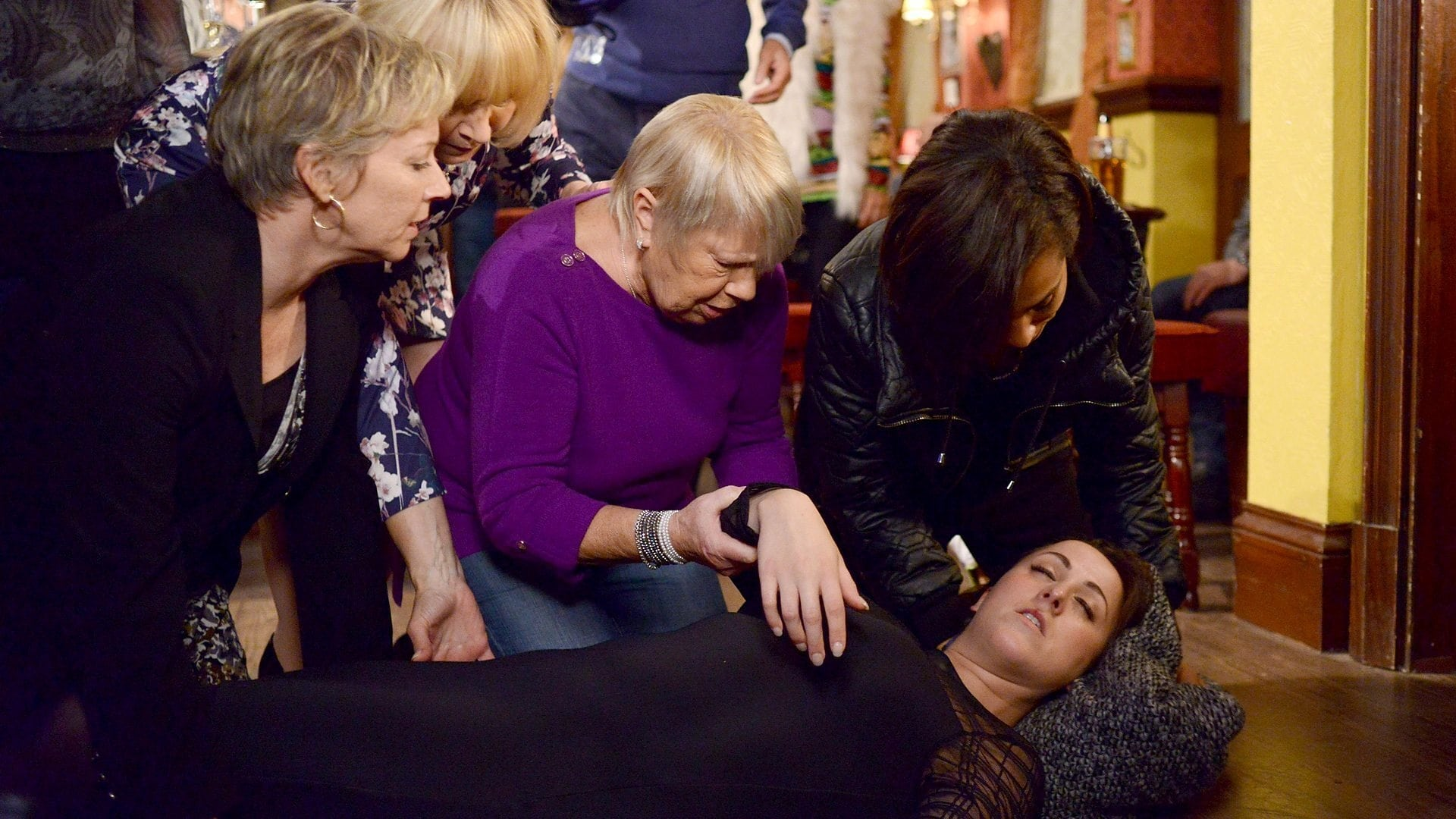 EastEnders Season 30 :Episode 191  05/12/2014