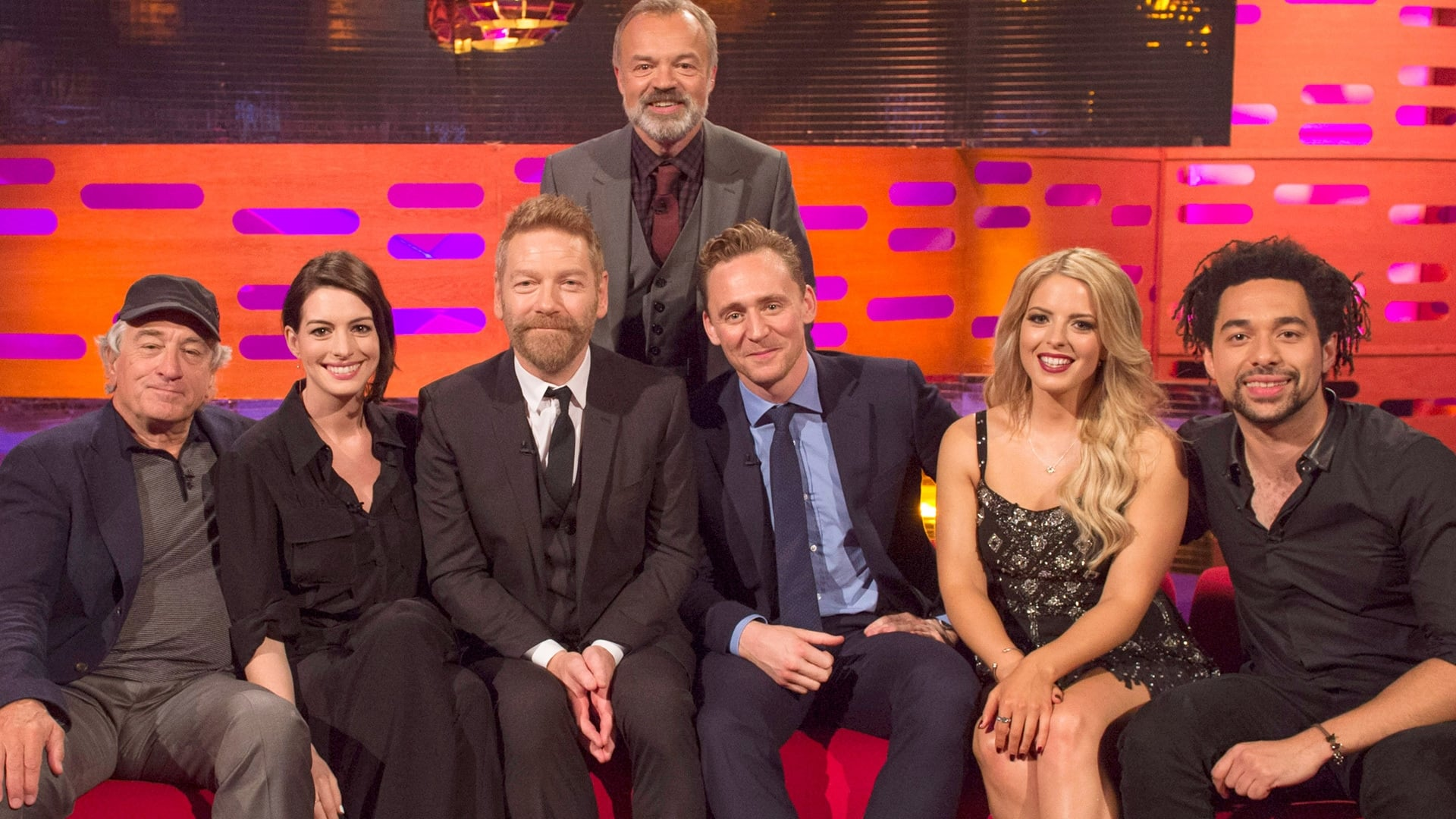 The Graham Norton Show Season 18 :Episode 2  Robert De Niro, Anne Hathaway, Sir Kenneth Branagh, Tom Hiddleston, Shires
