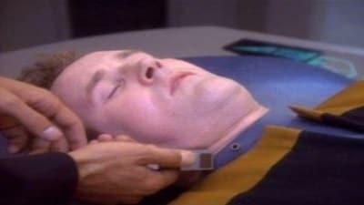 Star Trek: Deep Space Nine - Season 1 Episode 5 : Babel (1970)
