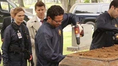 Bones Season 9 :Episode 22  The Nail in the Coffin