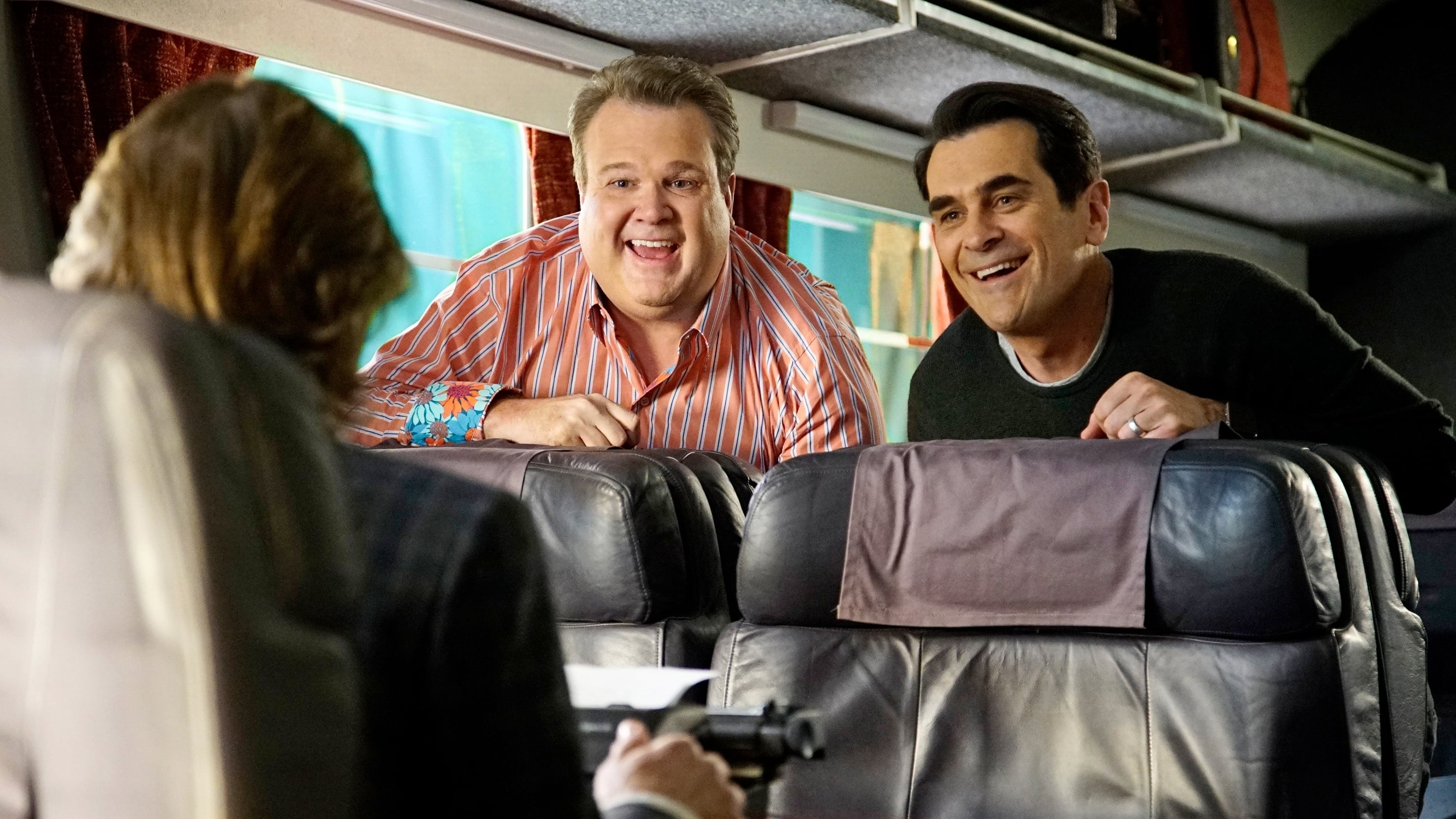 Modern Family - Season 7 Episode 21 : Crazy Train