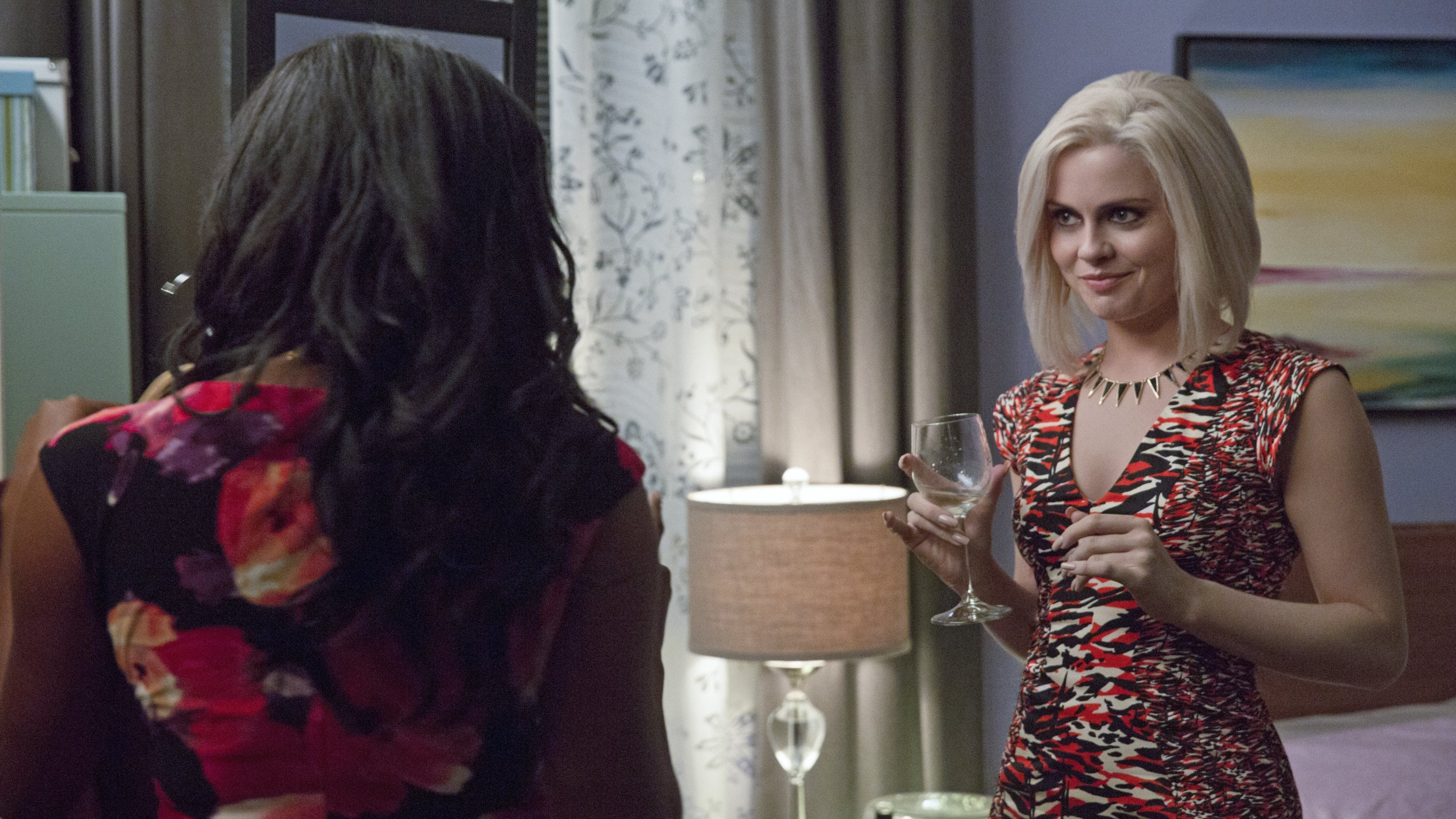 iZombie Season 2 :Episode 3  Real Dead Housewife of Seattle