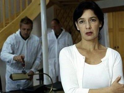 Die Rosenheim-Cops Season 5 :Episode 5  Der Hahn ist tot