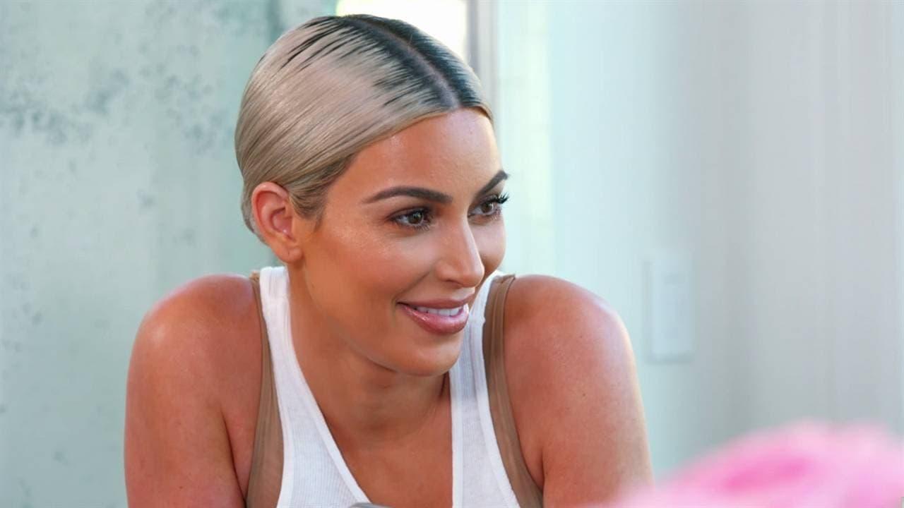 Keeping Up with the Kardashians Season 15 :Episode 1  Photo Shoot Dispute