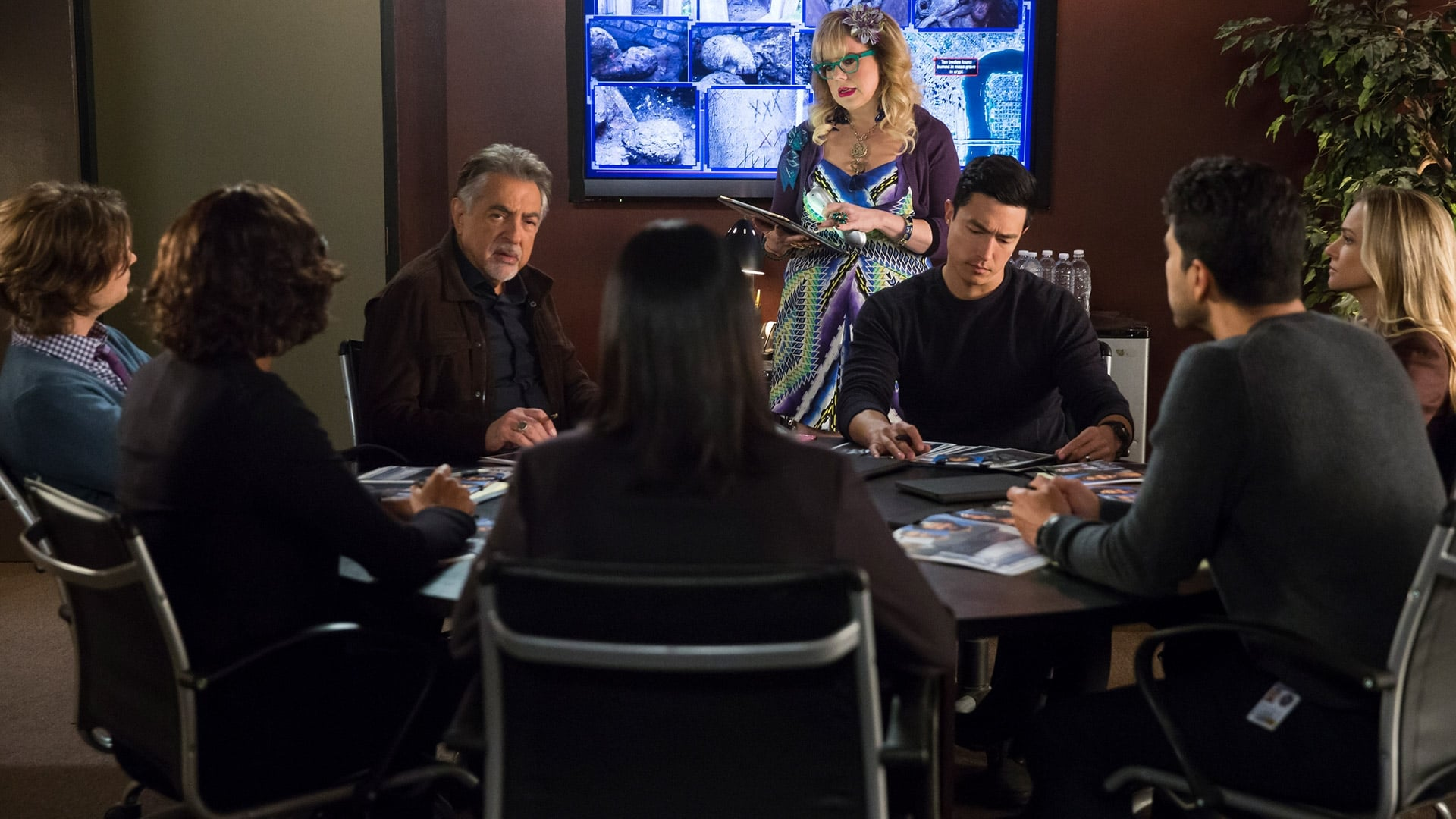 Criminal Minds Season 13 :Episode 14  Miasma