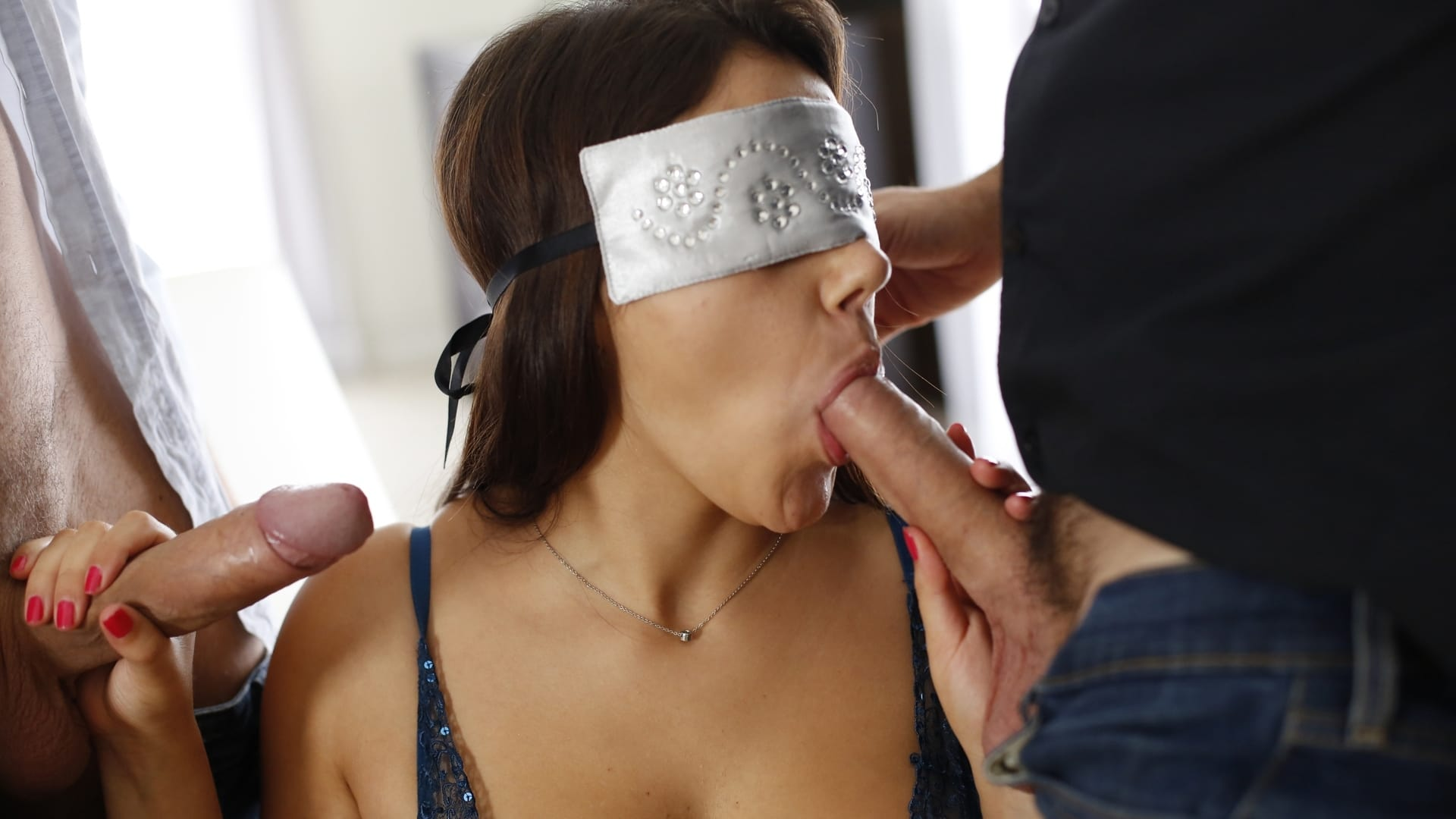 Порно Завязали Глаза Группа