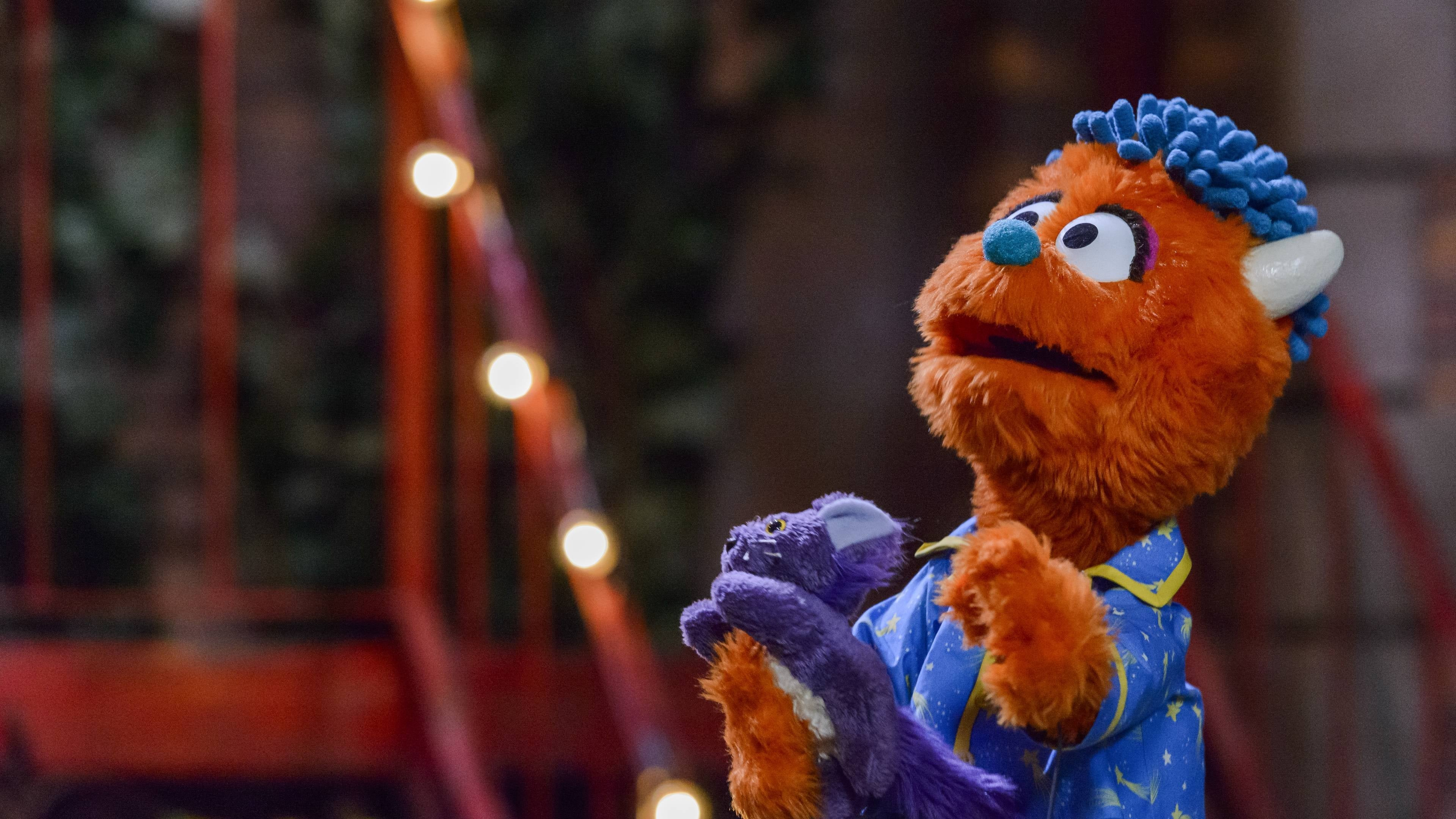 Sesame Street Season 51 :Episode 2  Camp Out