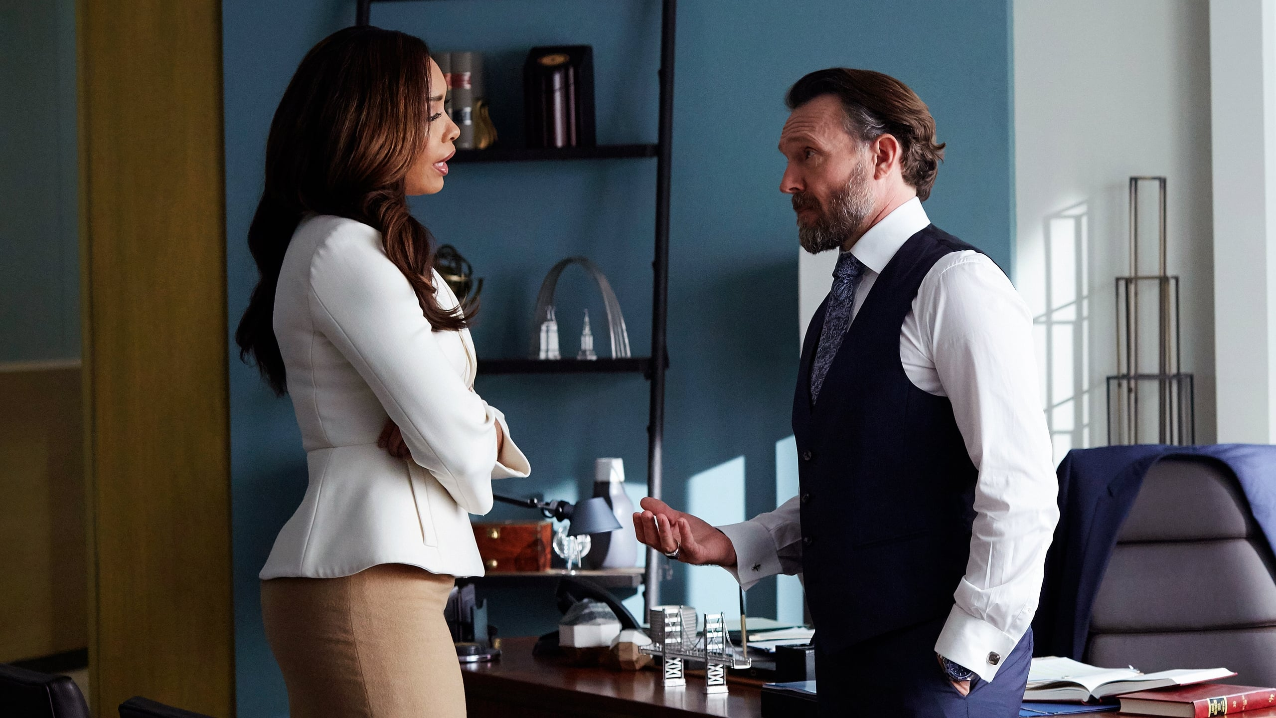 Suits - Season 5 Episode 7 : Hitting Home
