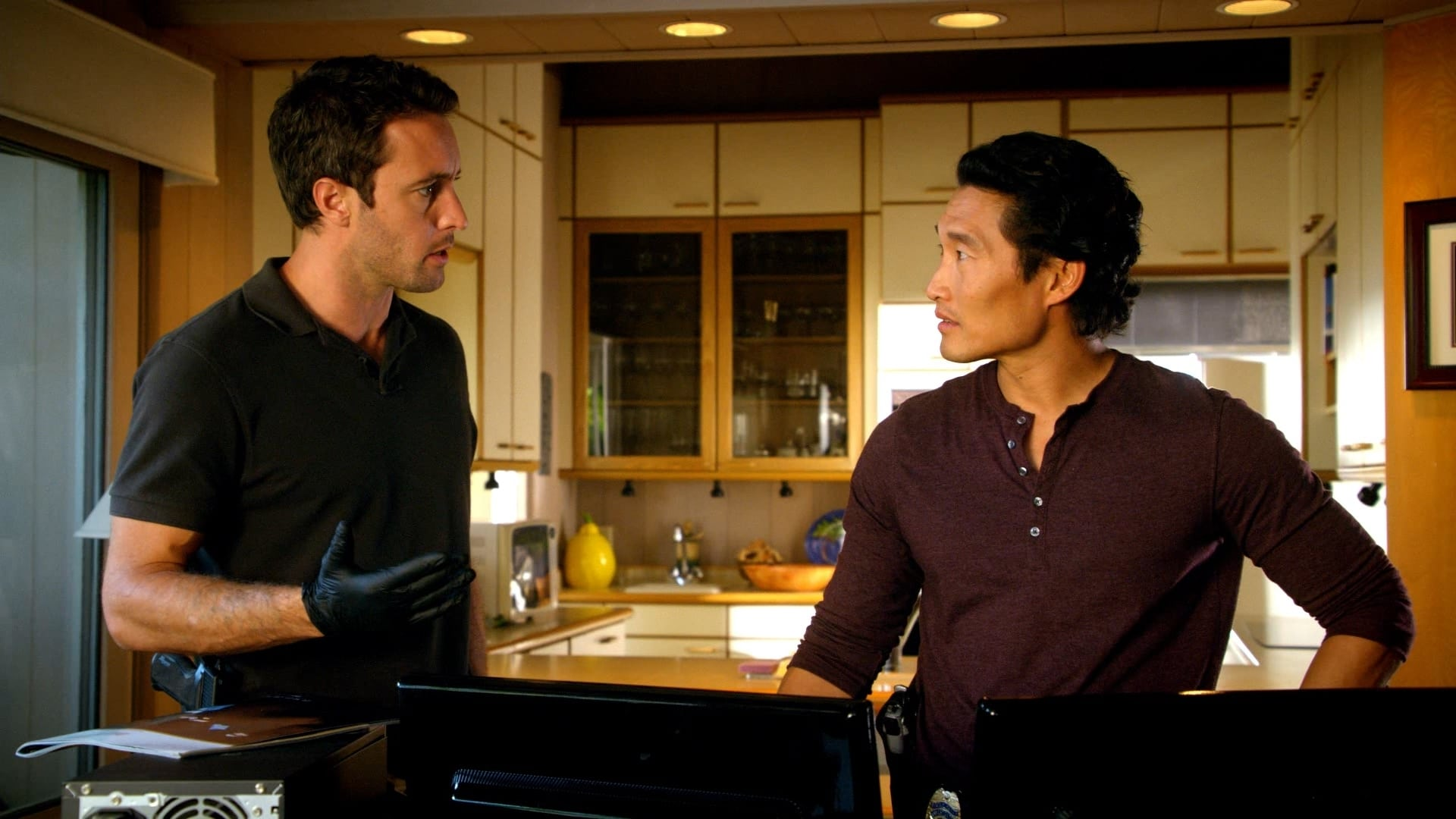 Hawaii Five-0 Season 1 :Episode 15  Tidal Wave