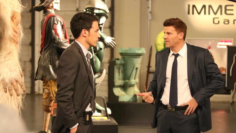 Bones Season 10 :Episode 4  The Geek in the Guck