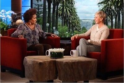 The Ellen DeGeneres Show Season 9 :Episode 11  Wanda Sykes, Joe Jonas, Julianne Hough & Kenny Wormald