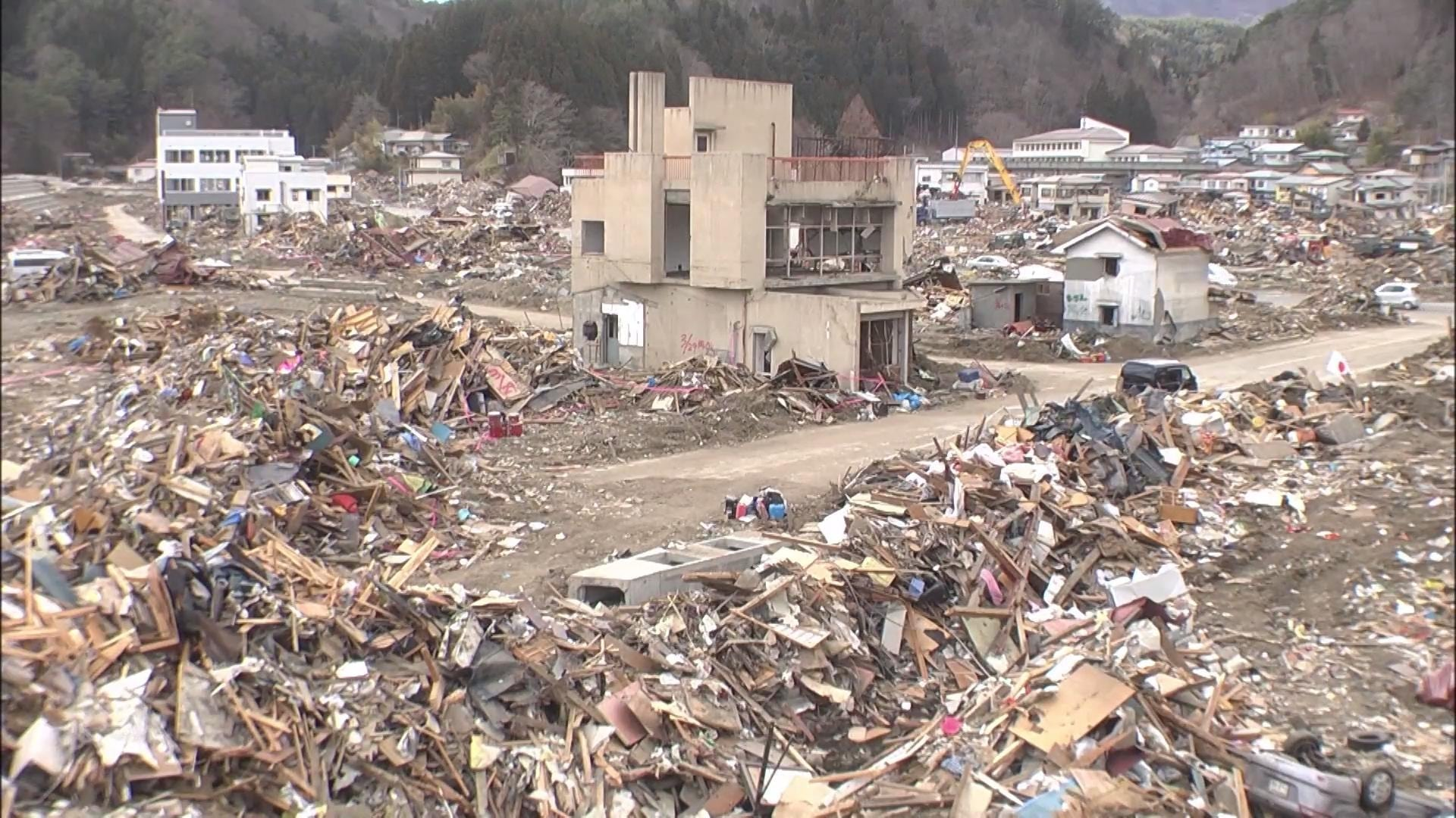 japans earthquake and tsunami operation tomodachi Japan's quake tsunami explained jump to media player a massive earthquake has hit the north-east of japan, triggering a tsunami that has caused extensive damage seismologist dr roger musson explains how it happened.