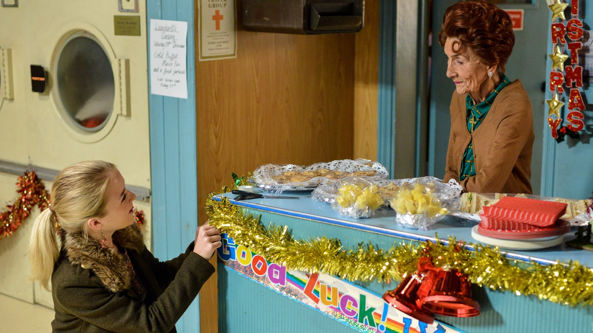 EastEnders Season 32 :Episode 205  24/12/2016