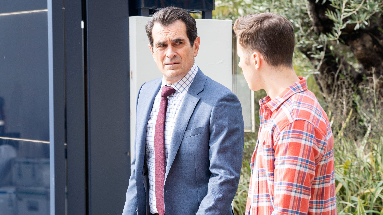Modern Family Season 10 :Episode 16  Red Alert