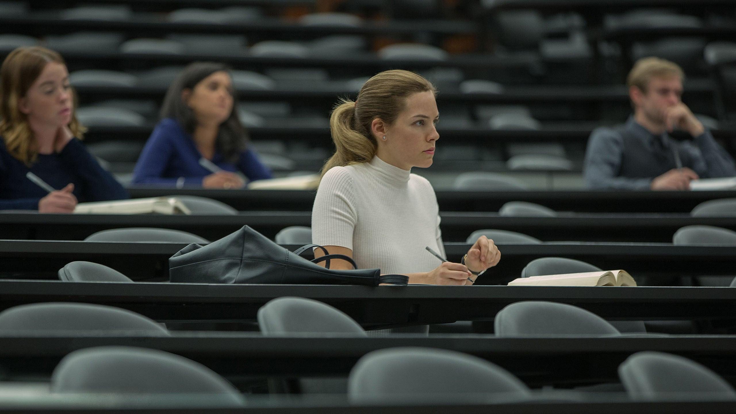 The Girlfriend Experience Season 1 :Episode 3  Christine: Retention