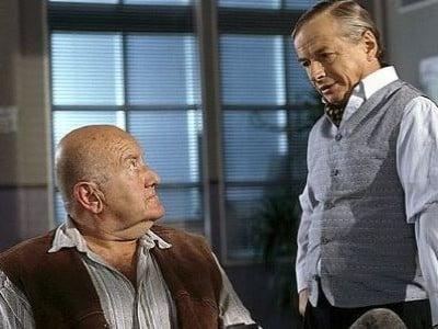 Die Rosenheim-Cops Season 4 :Episode 14  Bettgeflüster