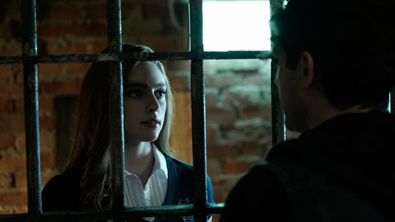 Legacies - Season 1 Episode 1 : This Is the Part Where You Run (2021)