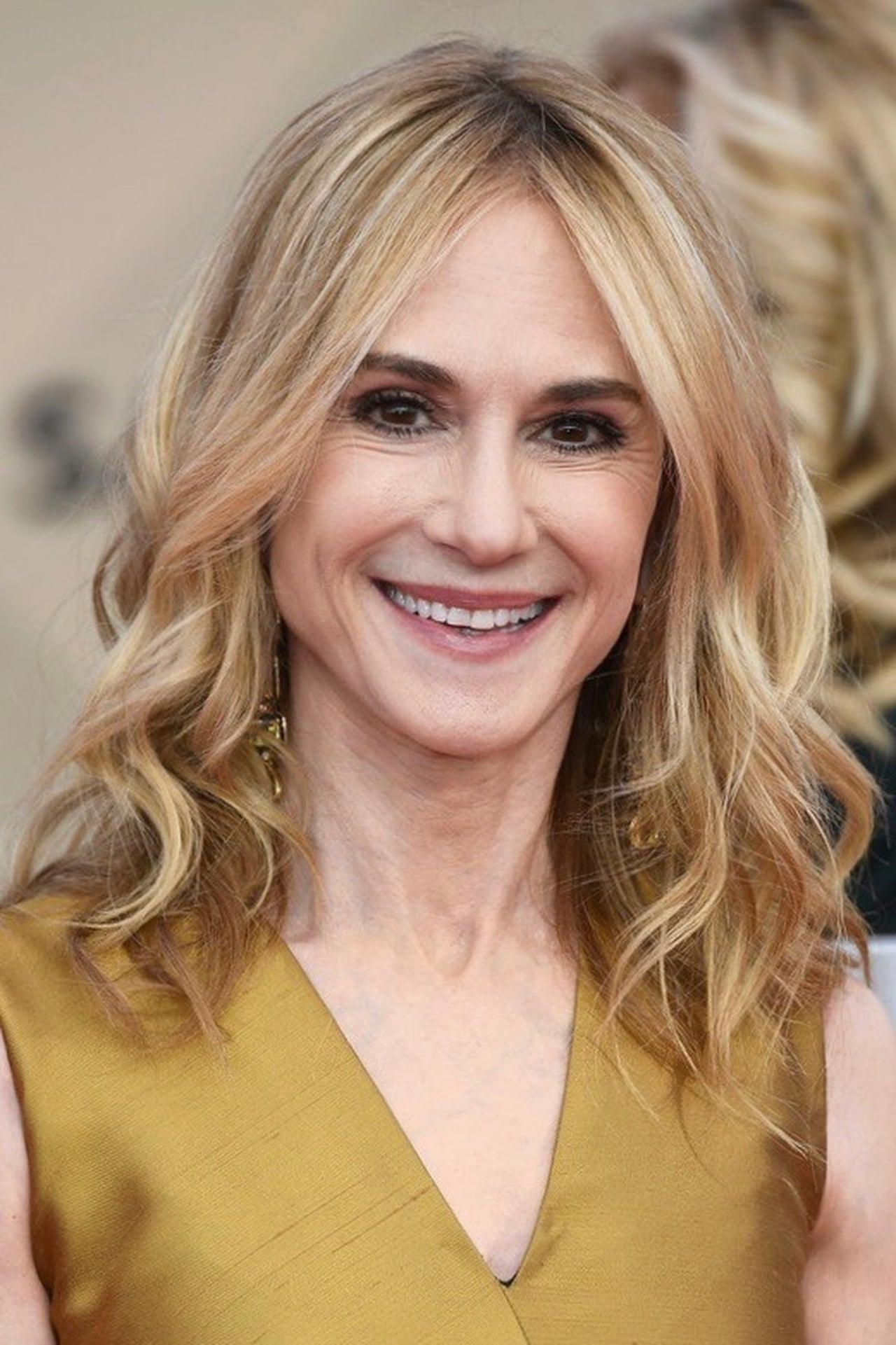Holly Hunter isMelanie Mannerheim