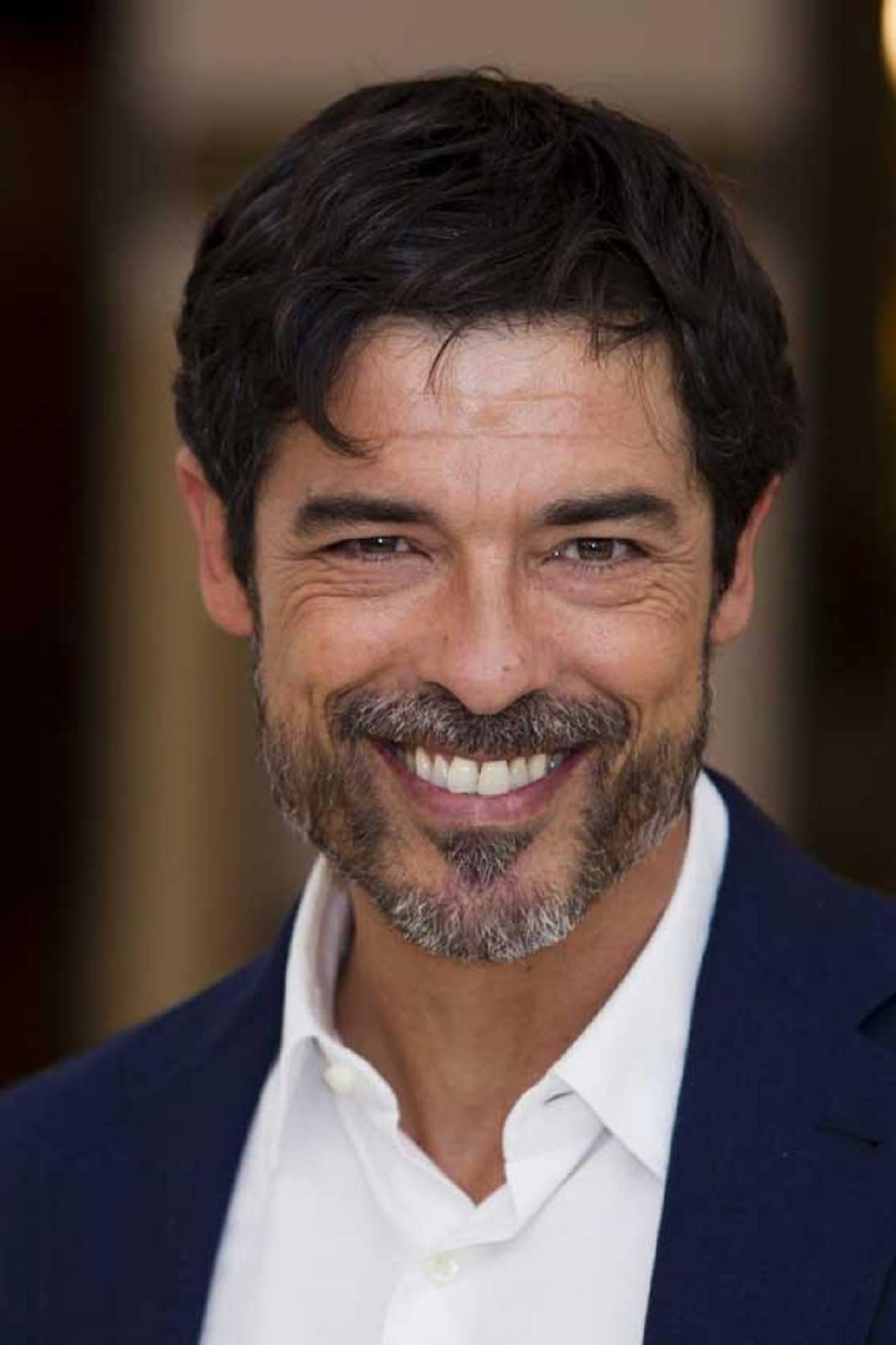 Alessandro Gassman isValerio Spagnolo