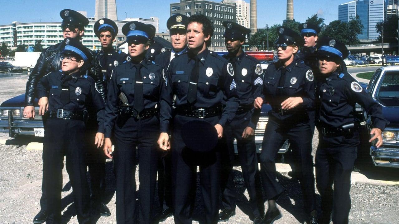 cover-Loca academia de policía 3: De vuelta a la escuela