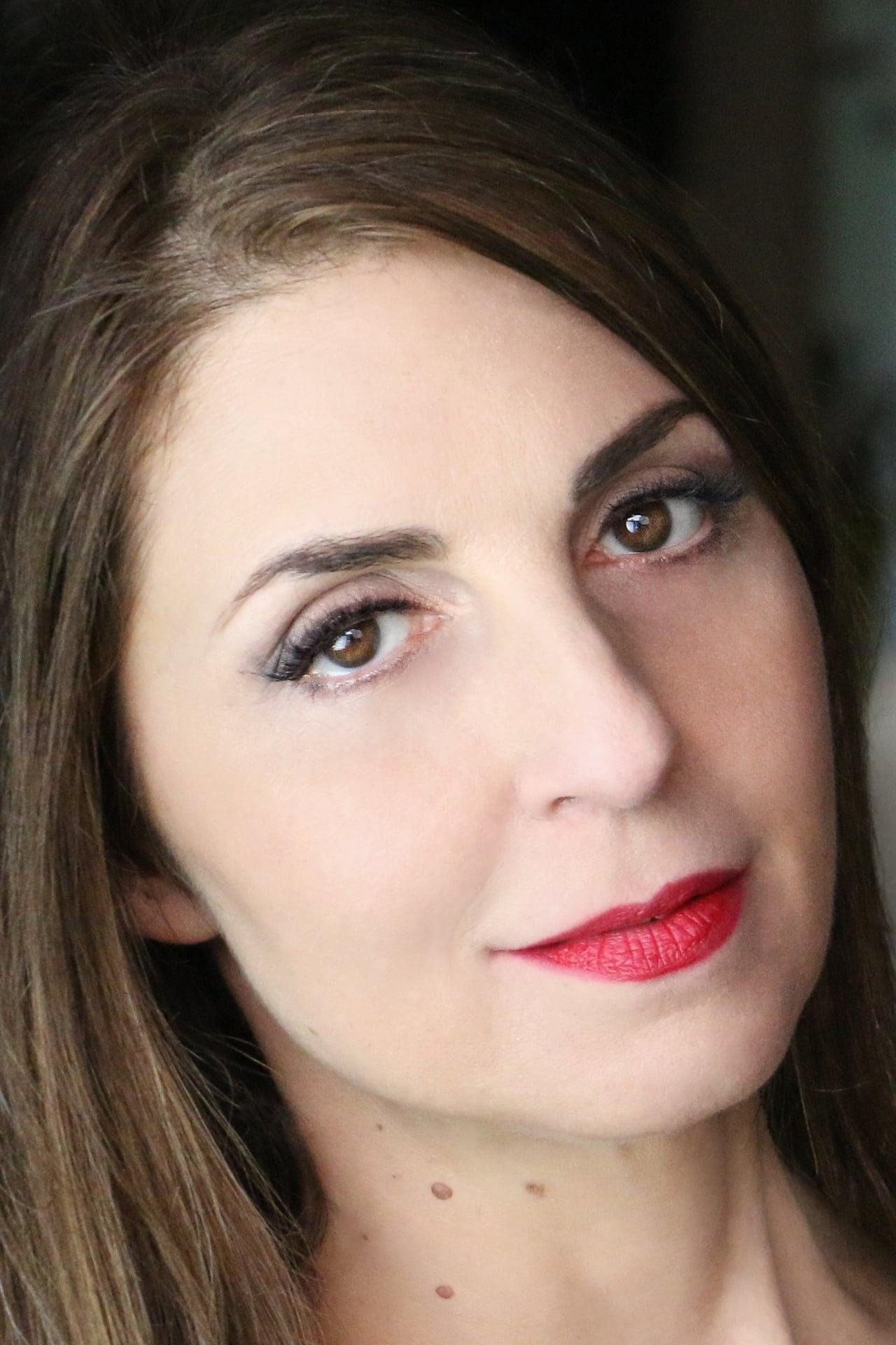 Ellen Dubin isDora