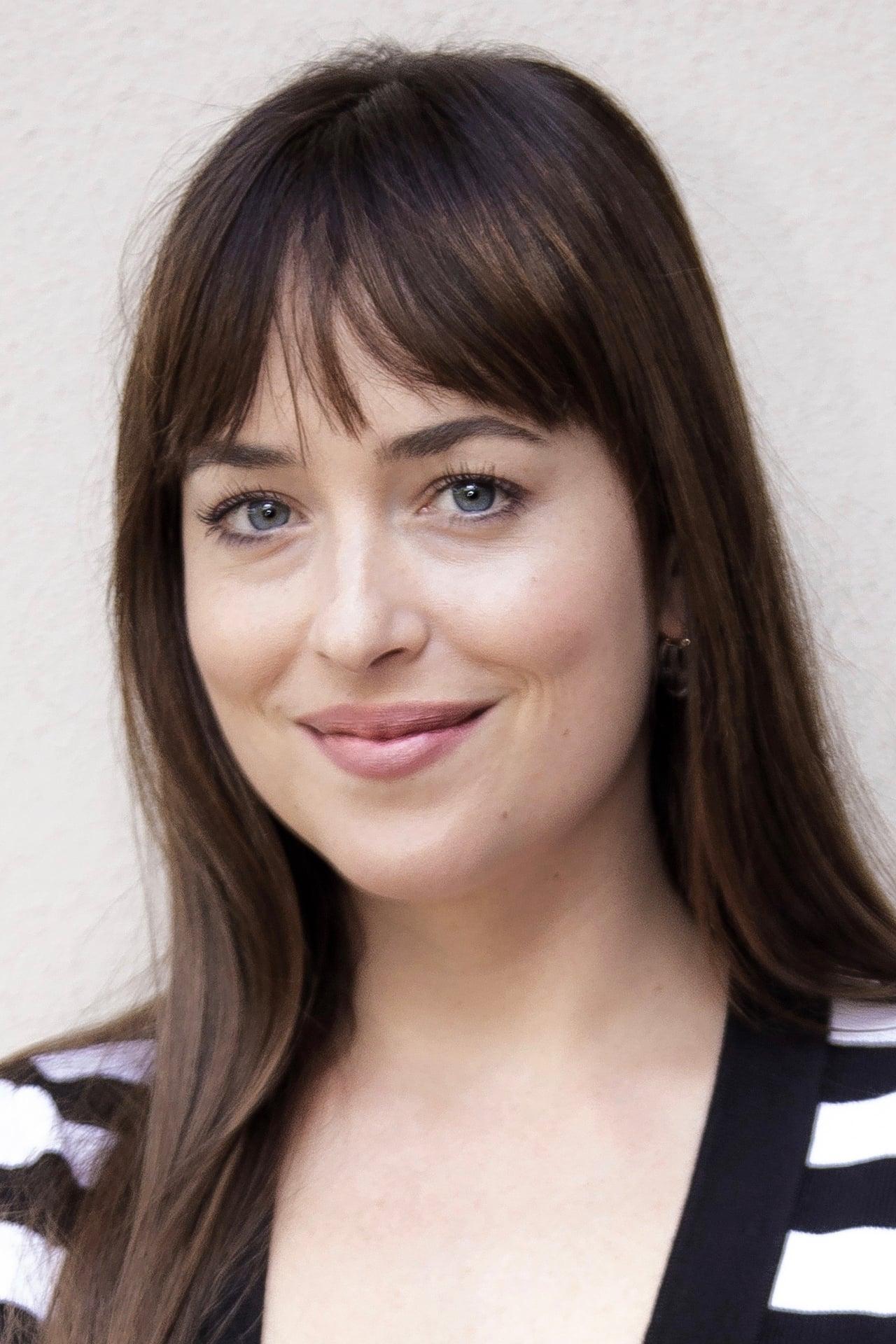 Dakota Johnson isSusie Bannion
