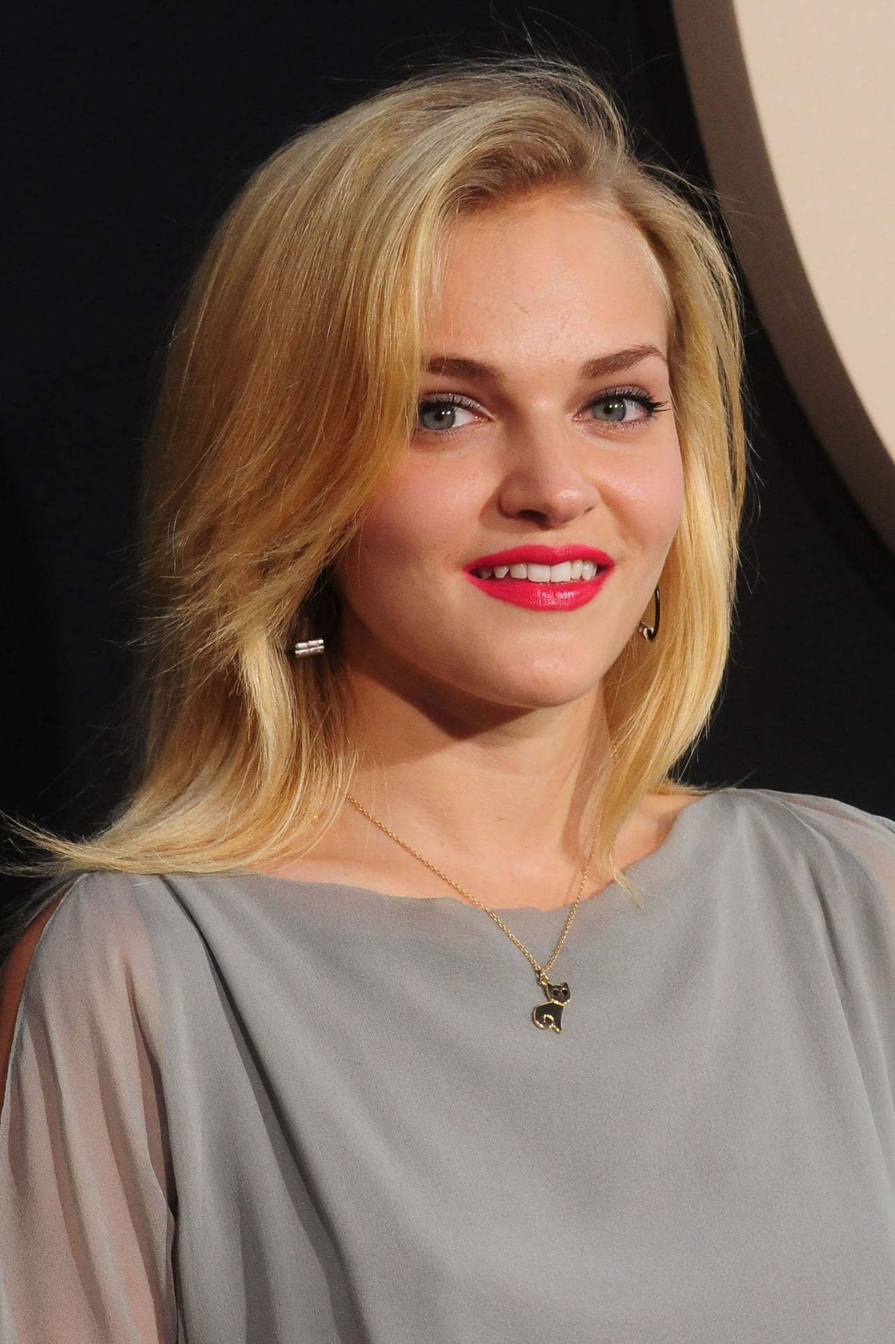 Madeline Brewer isDaphne Peters
