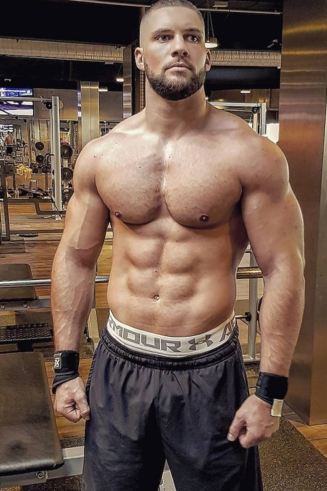 Florian Munteanu isViktor Drago