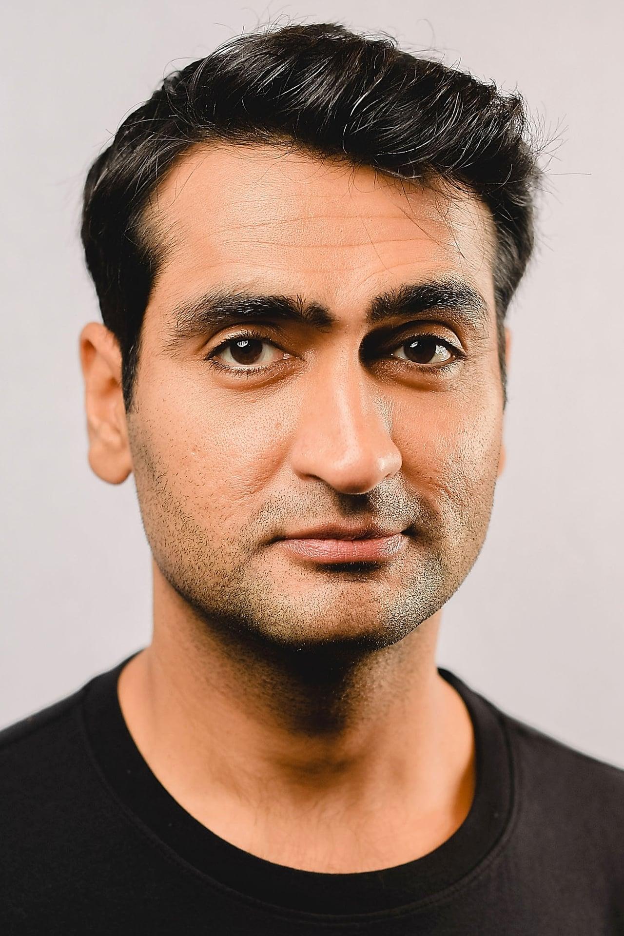 Kumail Nanjiani isPawny (voice)
