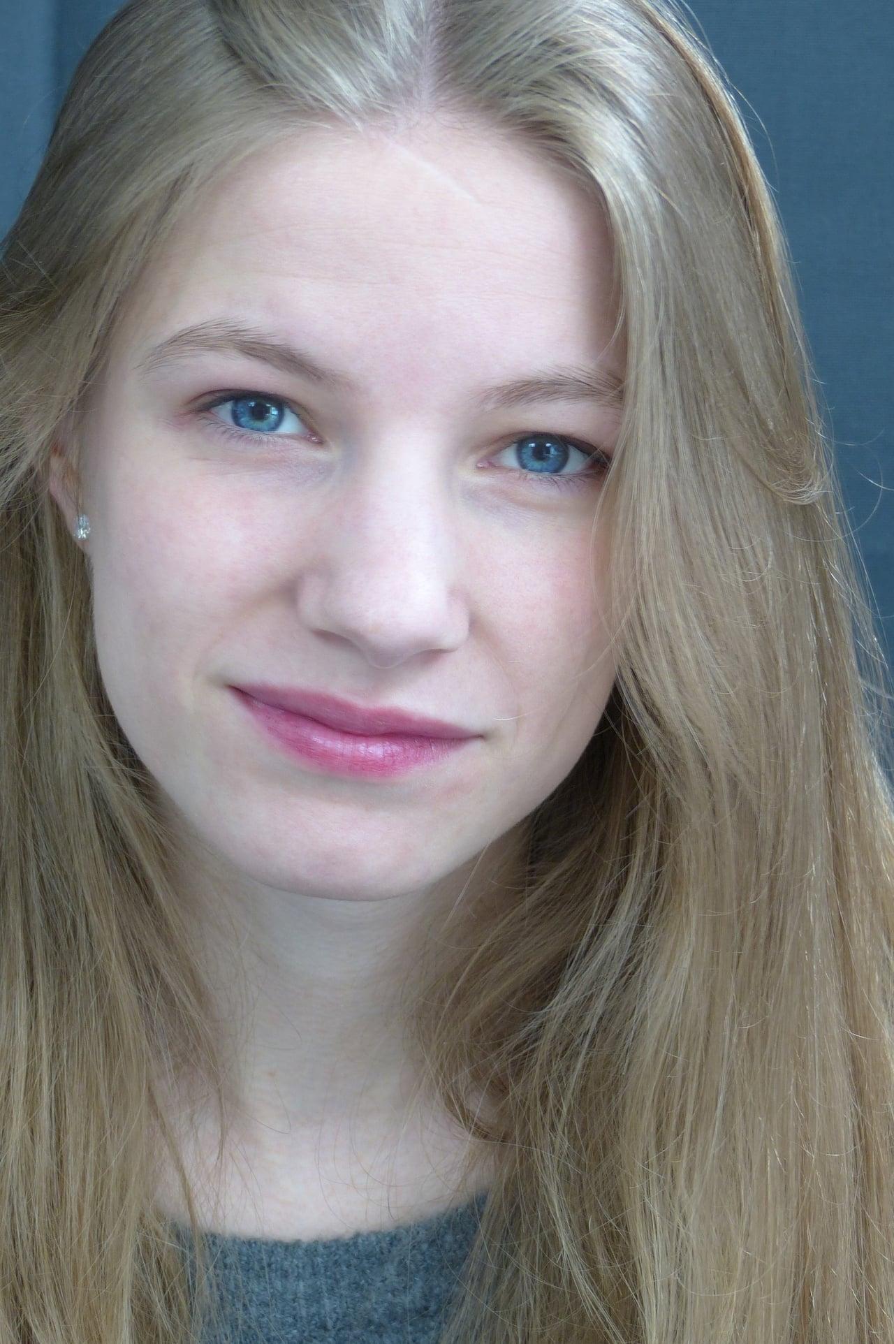 Lara Marie Müller isSilke