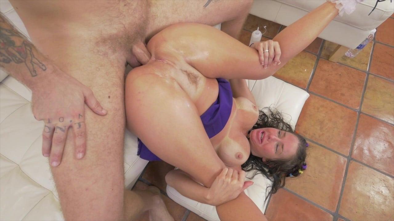 Hookup Hotshot: Send Nudes