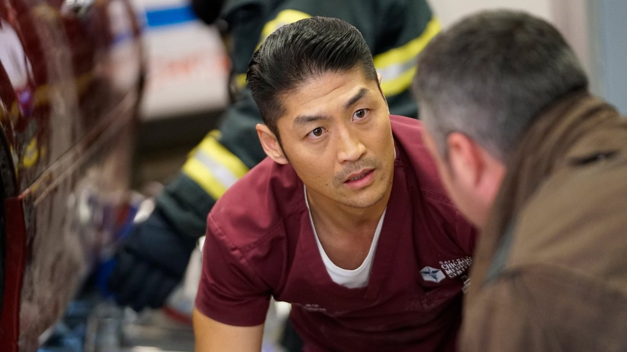 Chicago Med - Season 4 Episode 17 : The Space Between Us
