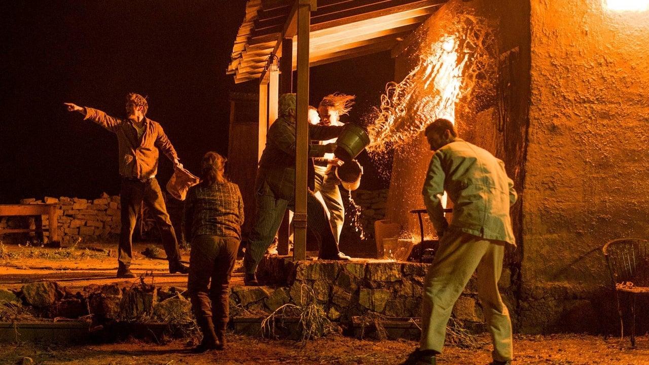 Fear the Walking Dead - Season 3 Episode 6 : Red Dirt
