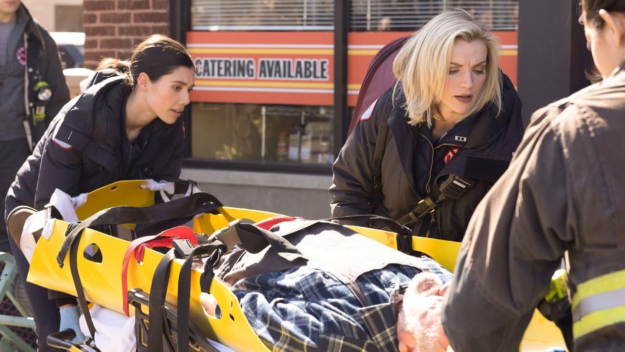 Chicago Fire - Season 9 Episode 11 : A Couple Hundred Degrees (2021)