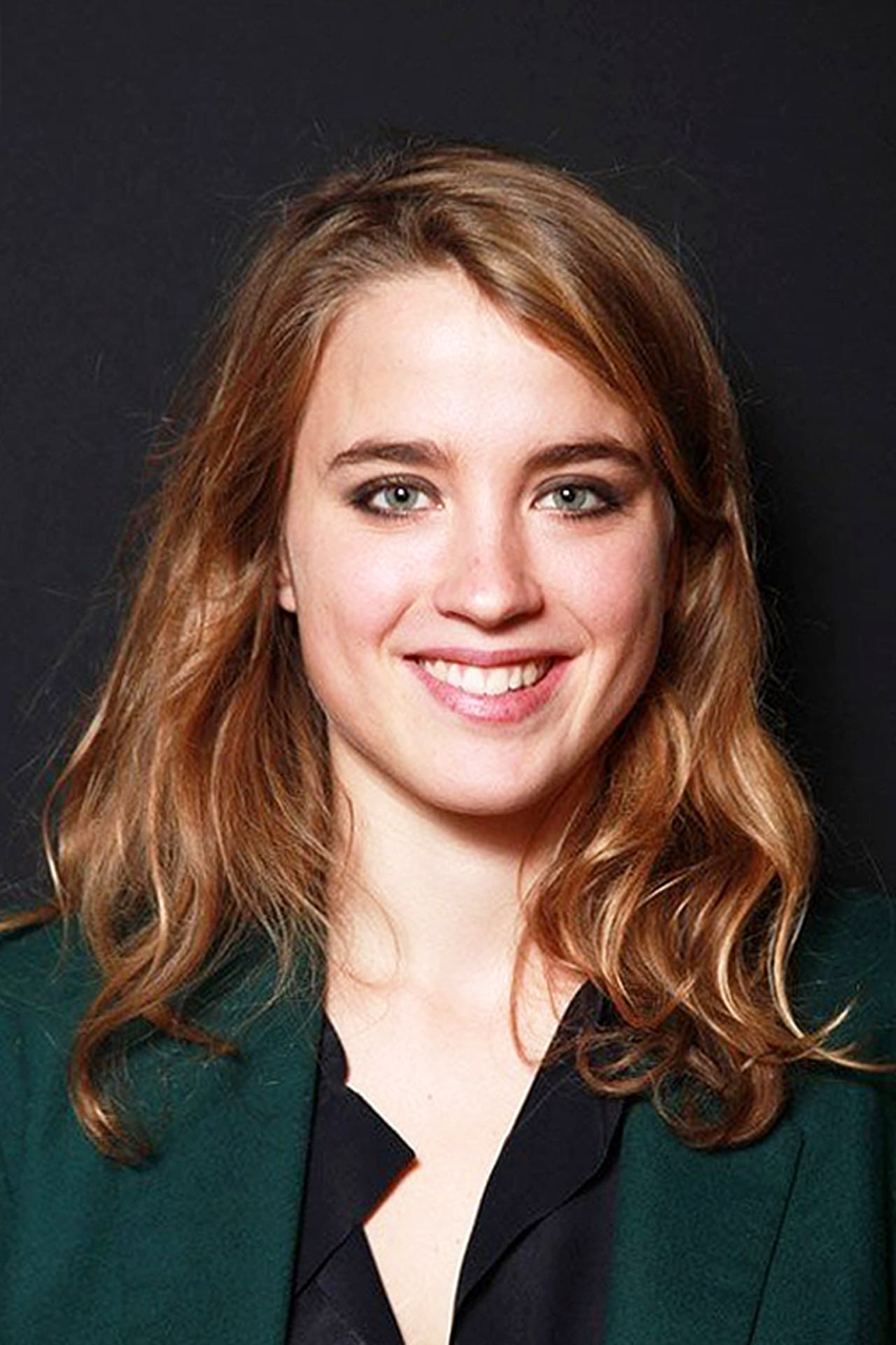Adèle Haenel isJenny Davin