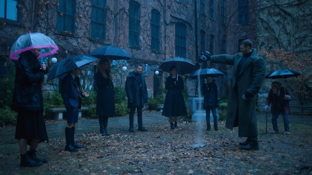 The Umbrella Academy - Season 1 Episode 1 : We Only See Each Other at Weddings and Funerals (2020)