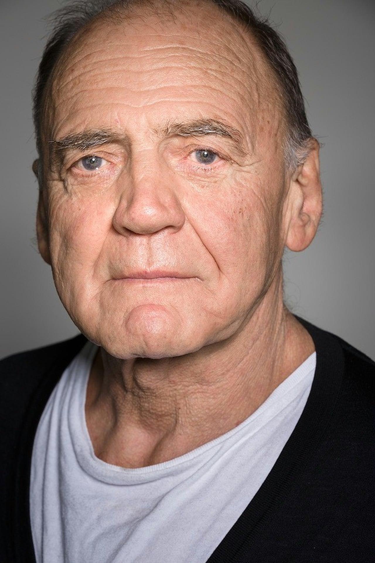 Leben Bruno Ganz wuchs in ZürichSeebach als Sohn eines Schweizer Fabrikarbeiters und einer Italienerin auf Schon vor der Matura beschloss er Schauspieler zu werden